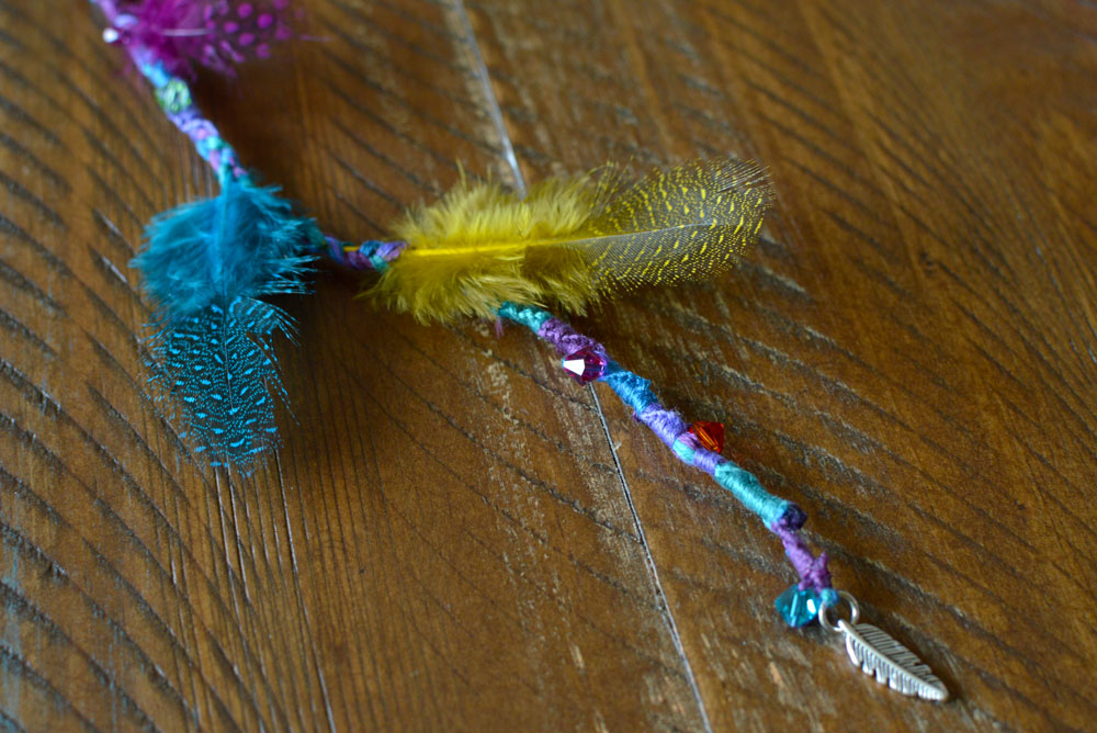 Easy DIY Feather Hair Accessories - Mommy Scene