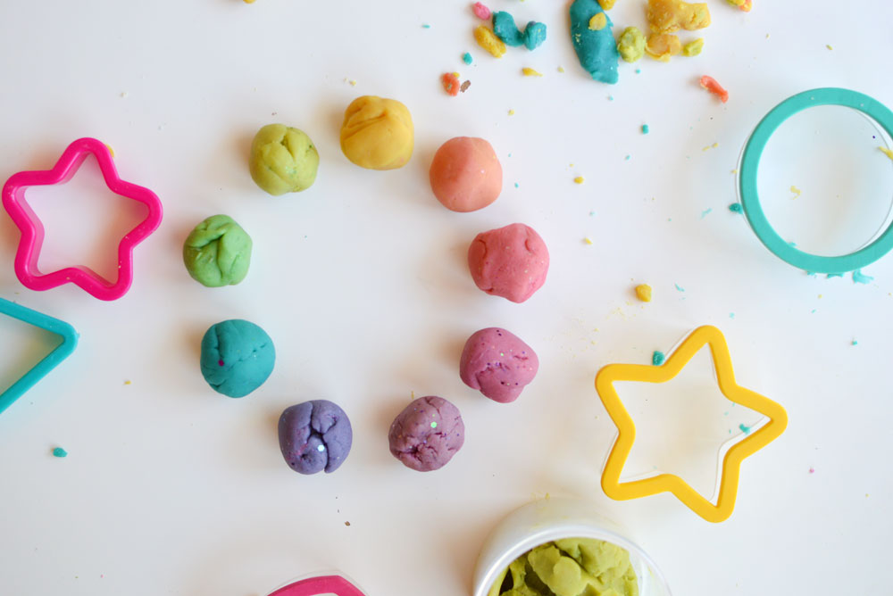 How to teach kids to love art with colorful play dough - Mommy Scene