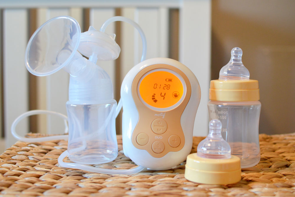 Motif Duo breast pump for on-the-go pumping - Mommy Scene