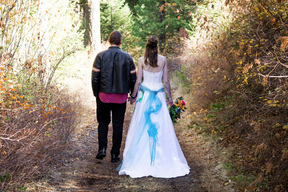 Colorful fall wedding photos - Mommy Scene